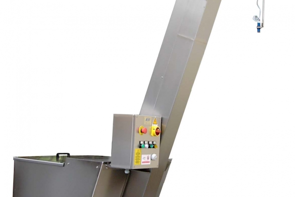 elevatore6FE6B242-72C9-9359-3B46-06D58F953892.jpg